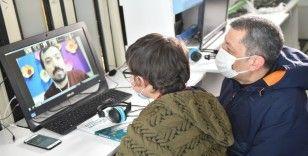 Bakan Selçuk, EBA Mobil Destek aracında canlı derse katıldı