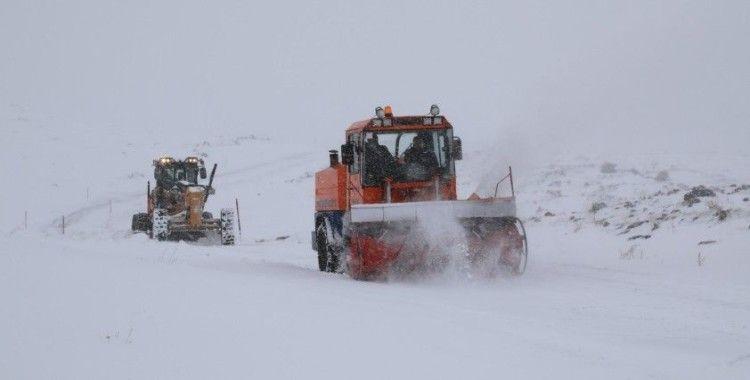 Büyükşehir Belediyesi karla mücadele çalışmalarını sürdürüyor