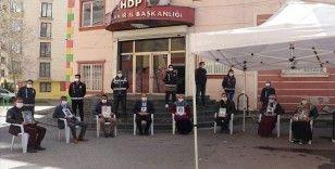 HDP İl Başkanlığı binası önündeki evlat nöbeti sürüyor