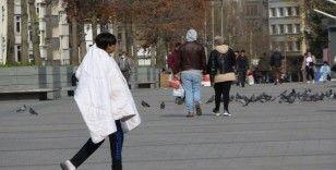 Taksim'de sokağa çıkma kısıtlamasında bu kez turistlere ceza yağdı