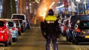 Hollanda'da salgın tedbirlerine karşı protestolar şiddetini arttırdı
