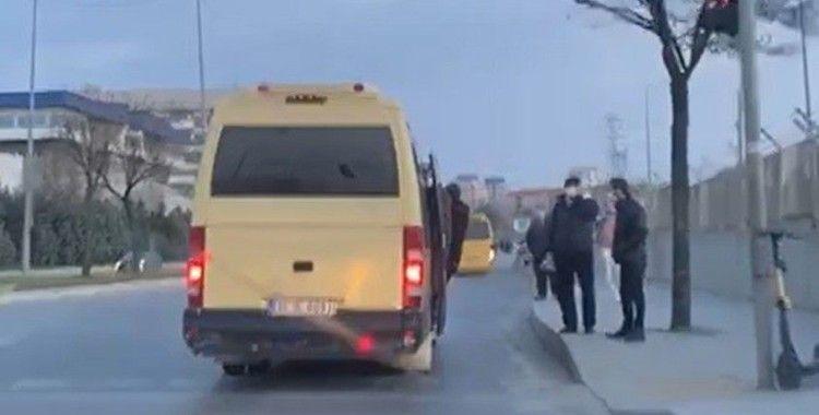 Başakşehir'de minibüste sosyal mesafesiz yolcu taşımacılığı pes dedirtti