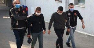 Adana'da suçüstü yakalanan torbacılar tutuklandı