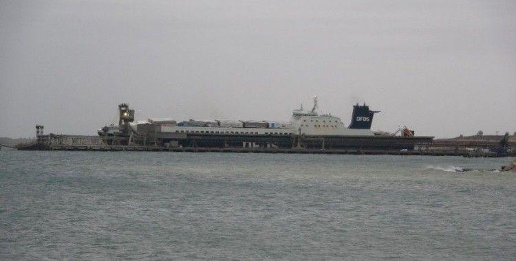 Çanakkale'de yanan Ro-Ro gemisindeki yangın kontrol altına alındı
