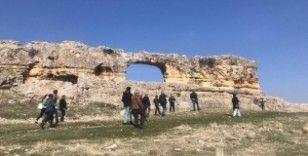 Büyükşehir'den turist rehberlerine Eğil gezisi