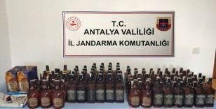 Jandarmanın operasyon yaptığı araçtan 110 şişe kaçak içki çıktı