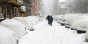 Yunanistan'da kar fırtınası: 3 ölü