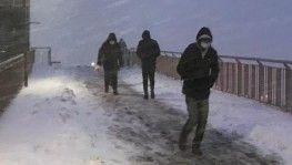 Beylikdüzü'nde şiddetli kar yağışı etkili oluyor
