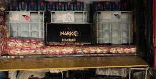 Hakkari'de 3 ton 300 litre asit anhidrit maddesi ele geçirildi