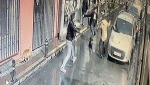 Aralarında husumet olan 2 kardeş sokak ortasında birbirini bıçakladı