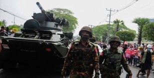 İngiltere Myanmar'daki darbeden sorumlu askerlere 'yaptırım' kararı aldı