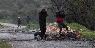 İsrail askerlerinden Filistinlilerin Batı Şeria'daki gösterisine müdahale