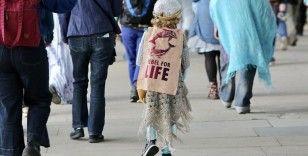 İngiltere'de yaklaşık 10 bin bakıma muhtaç çocuk 'güvenli olmayan' yerlerde yaşıyor