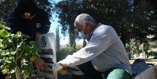 Adana'da aralarında şehit kabirlerinin bulunduğu tahrip edilen 79 mezar onarılıyor