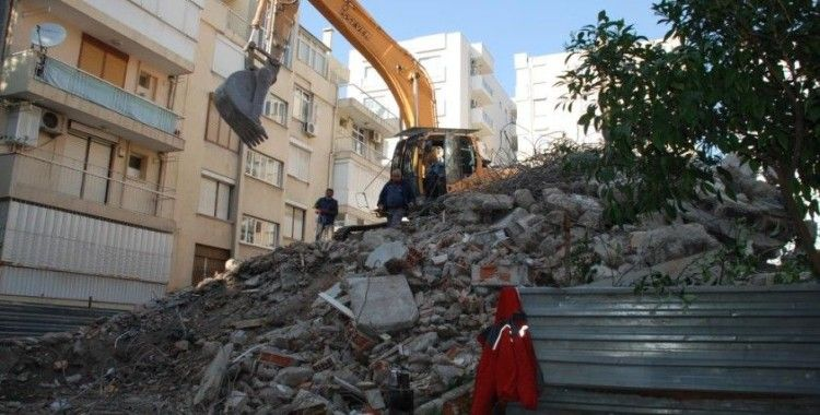 Rahip Brunson'ın evi yıkıldı
