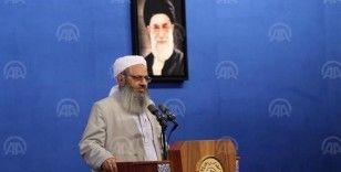 İranlı Sünni din adamı, Pakistan sınırında 10 kişinin öldürüldüğü olaya tepki gösterdi