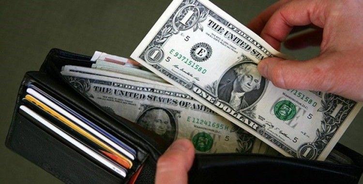 Dolar yönünü yeniden yukarı çevirdi