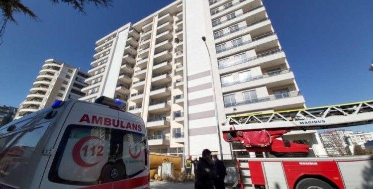 Konya'da 7. kattan atlamak isteyen kişi polis ikna etti