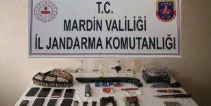 Mardin'de uyuşturucu çetesine jandarmadan şafak operasyonu