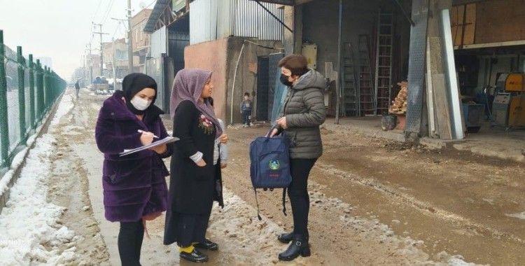 Kayapınar'da 215 bebeğe 'Hoş Geldin' paketi dağıtıldı
