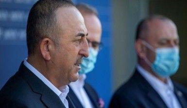 Bakan Çavuşoğlu, Hırvatistan'da deprem bölgesini ziyaret etti