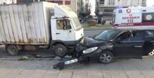Kısıtlamada alkollü araç kullanarak kaza yapan gençler ortalığı birbirine kattı