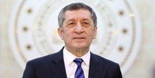 Milli Eğitim Bakanı Selçuk: Yakın tarihimiz darbelerden, muhtıralardan çıkarılacak derslerle dolu