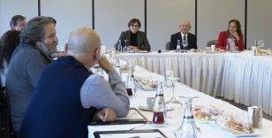 Kılıçdaroğlu, tiyatro sanatçıları ve birlik temsilcileriyle bir araya geldi