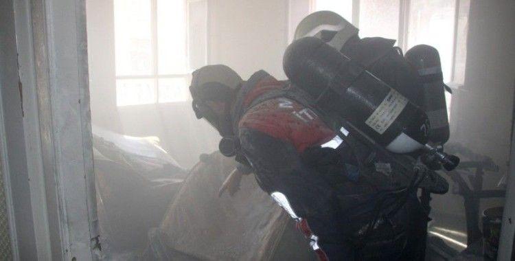 Yangında can pazarı: 4 çocuk ölümden döndü