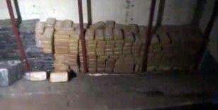 Kamyon kasasına gizlenmiş 300 kilonun üzerinde eroin ele geçirildi