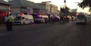 Mogadişu'da bombalı araçla saldırı: 20 ölü