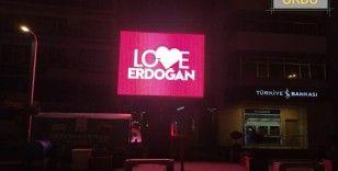 Ordu'da 'Love Erdoğan' görseli LED ekranlara yansıtıldı
