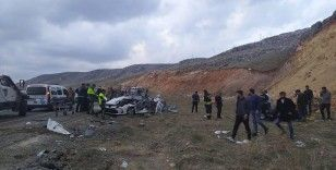 Diyarbakır'da feci kaza: 5 ölü, 4 yaralı