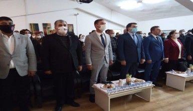Diyarbakır'da toplantı öncesi şehit yakınları kahrolsun PKK sloganlarıyla yürüdü