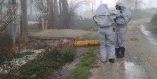Kanal kenarına atılan tüpte kimyasal iddiası: 2'si polis 12 kişi hastaneye kaldırıldı