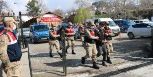 3 ilde uyuşturucu operasyonu: 11 tutuklama