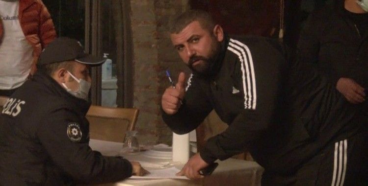 """Kısıtlamayı delip restoranda alkol alan şahıs: """"Kamera beni çekmeden cezaya imza atmam"""""""