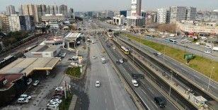İstanbul'da yollar, kısıtlama kararıyla boş kaldı