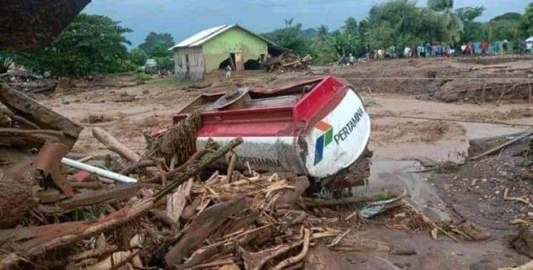 Endonezya'da sel ve heyelan felaketi: 23 ölü, 9 yaralı
