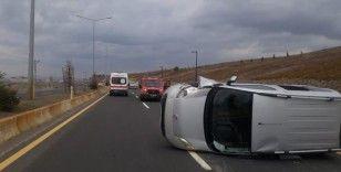 Ağrı'da elektrik direğine çarpan araç kaza yaptı: 5 yaralı