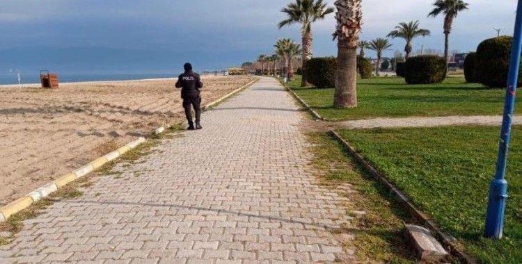 Balıkesir'de sokağa çıkan 725 kişiye idari para cezası