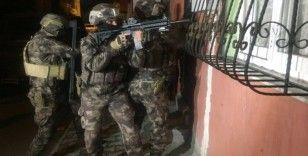 Terör örgütü üyelerine operasyon: 6 gözaltı