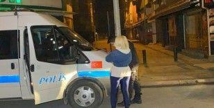 Kısıtlamaya uymayan genç kadına 1 paket sigara, 3 bin 469 liraya mal oldu