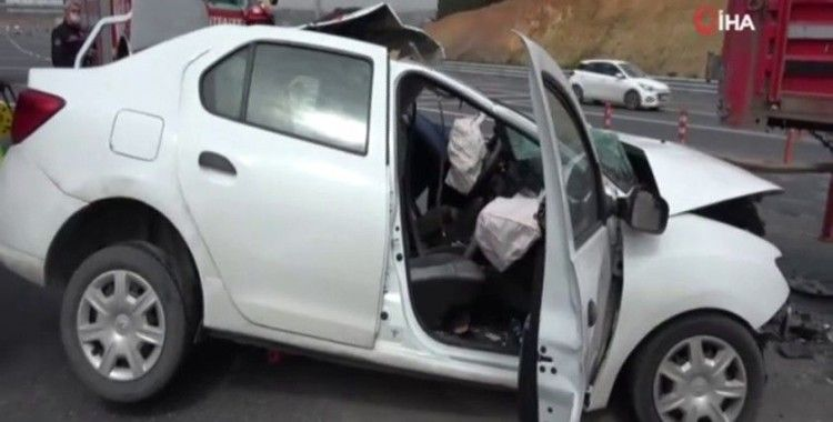 Kuzey Marmara otoyolunda otomobil kamyona arkadan çarptı: 1 ölü