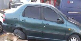 Sancaktepe'de seyir halindeyken bayılan kamyon sürücüsü 5 araca çarptı