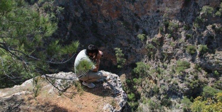 Antalya'da kayıp hemşire, uçurum ve ormanlık alanda aranıyor