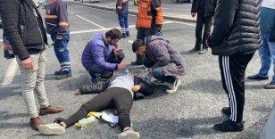İstanbul'da feci kaza: Motosikletli kadın kurye takla attı