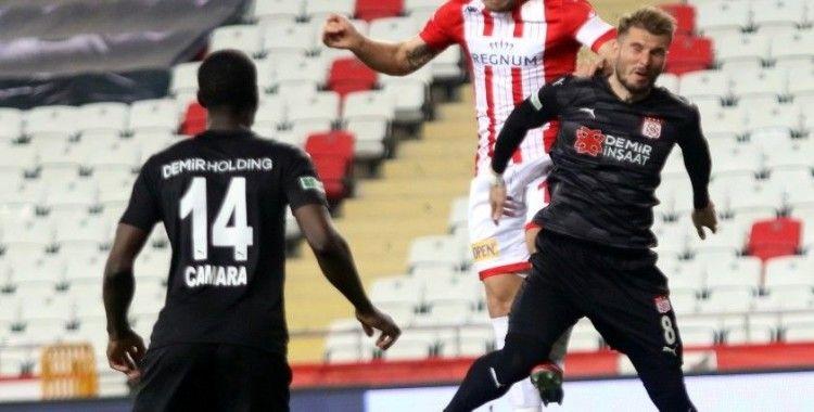 Süper Lig: FT Antalyaspor: 2 - DG Sivasspor: 4 (Maç sonucu)