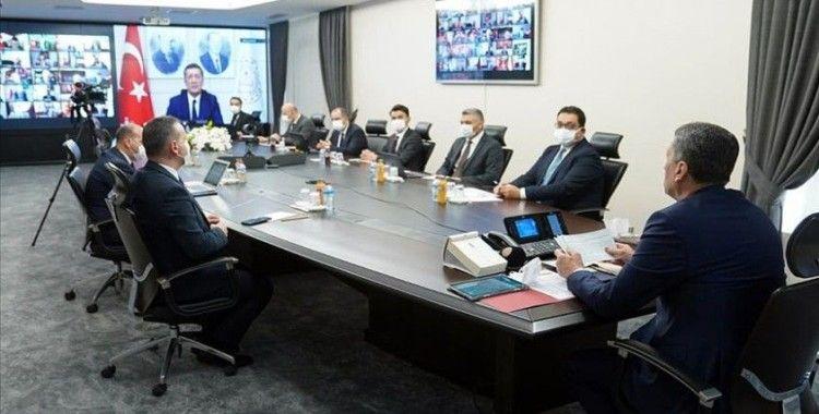 Milli Eğitim Bakanı Selçuk: 29 ildeki öğrencilerimize 34 bin 445 tablet bilgisayar ulaştırıyoruz