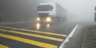 Bolu Dağı'nda sis etkili oluyor